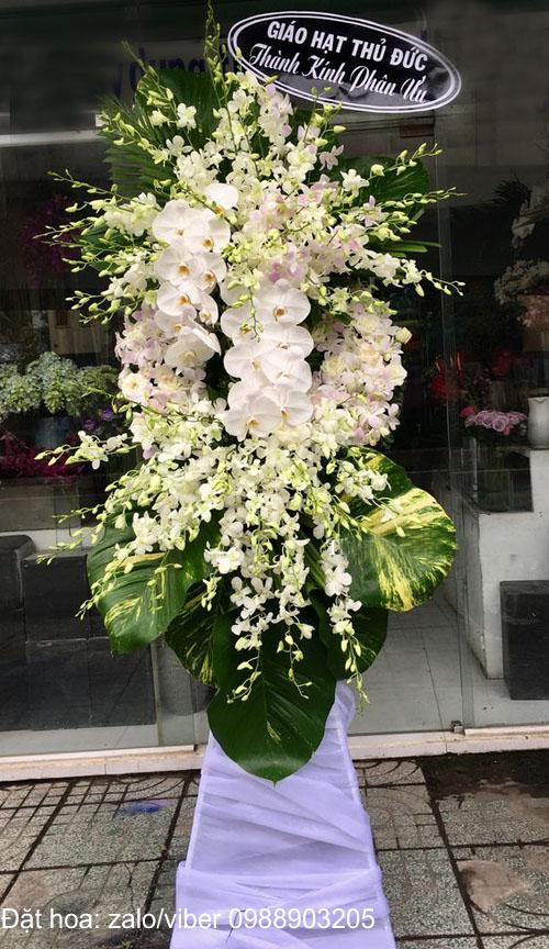 Lưu ý gì khi mua vòng hoa tang lễ