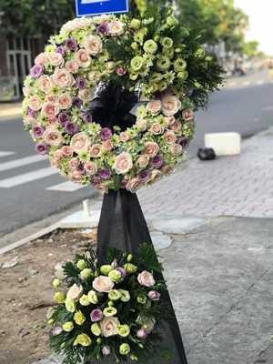 Đặt hoa phúng viếng HN