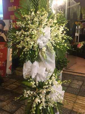 Gửi hoa chia buồn về Việt Nam