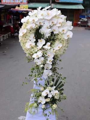 Hoa chia buồn cầu giấy