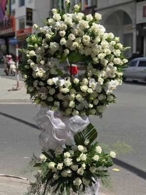 Hoa chia buồn đẹp nhất hoa hồng