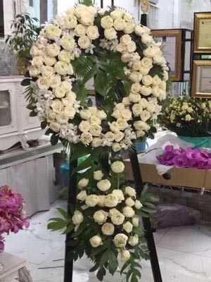 Hoa chia buồn hoa sen