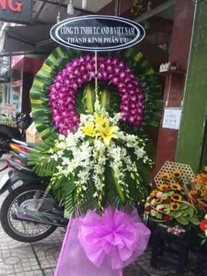Hoa phúng viếng màu tím