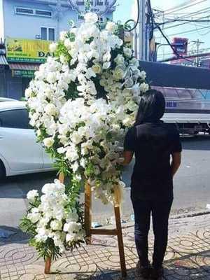 Hoa tang lễ màu trắng đẹp nhất