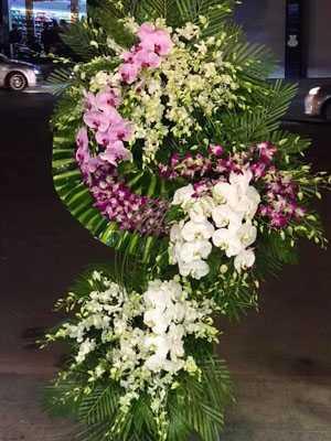 Mẫu hoa chia buồn người lớn tuổi