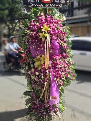 Mẫu hoa tang lễ màu tím đẹp